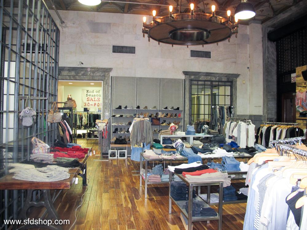 Atrium NYC store fabricated by SFDS 17.jpg