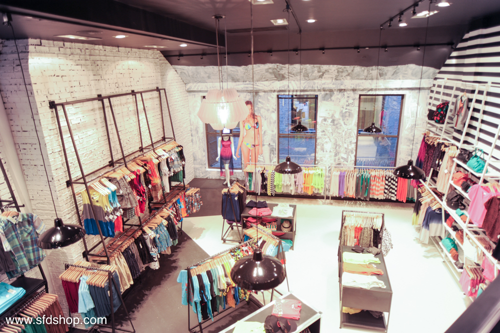 Volcom flagship store NYC fabricated by NYC 35.jpg