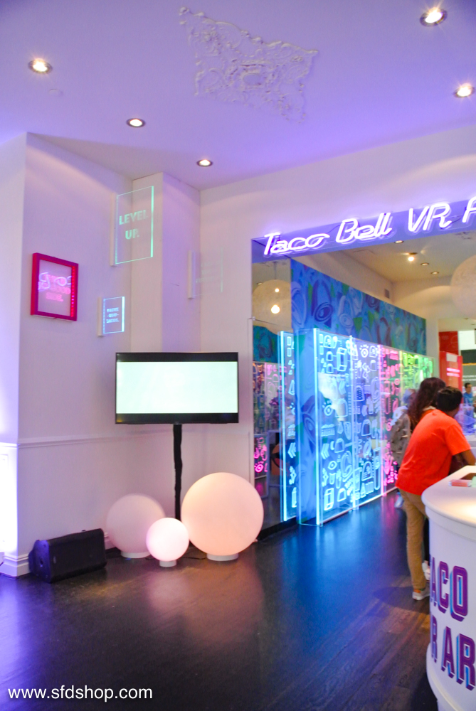 Taco Bell Playstation VR Arcade fabricated by SFDS -16.jpg