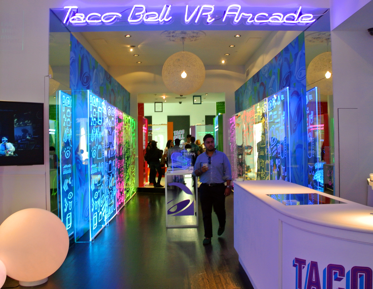 POP-UPS & EVENTS - Immersive experiences, turn-key events, interactive displays, & more