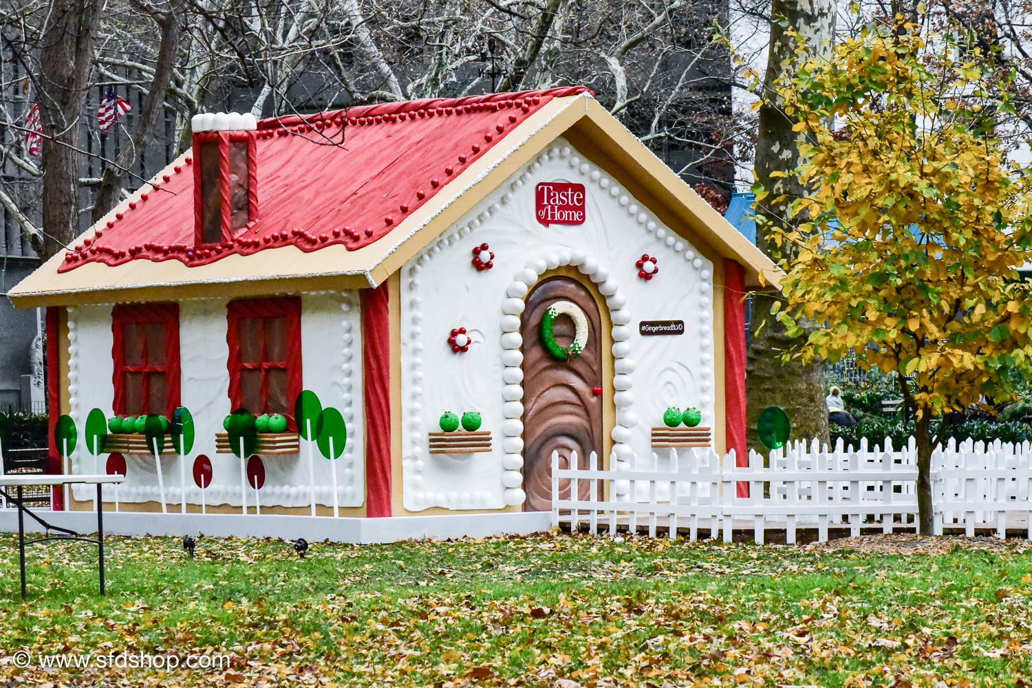 Taste of Home Gingerbread Blvd 2017 fabricated by SFDS-13.jpg
