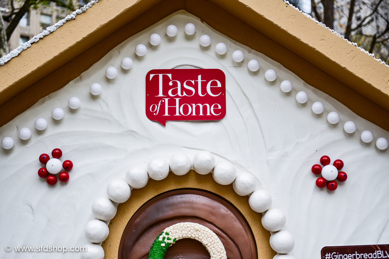 Taste of Home Gingerbread Blvd 2017 fabricated by SFDS-18.jpg