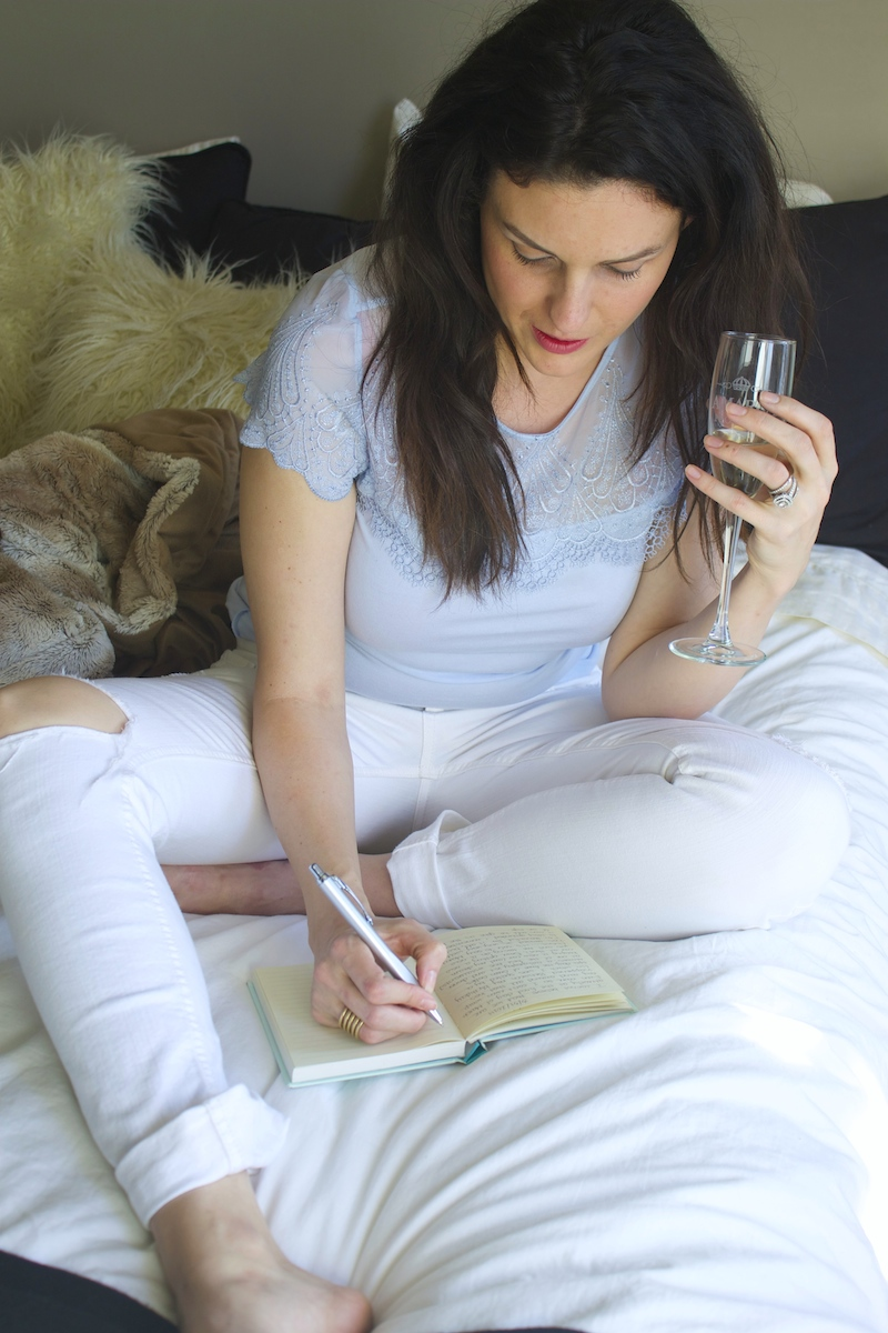 blue-shirt-and-white-jeans.jpg