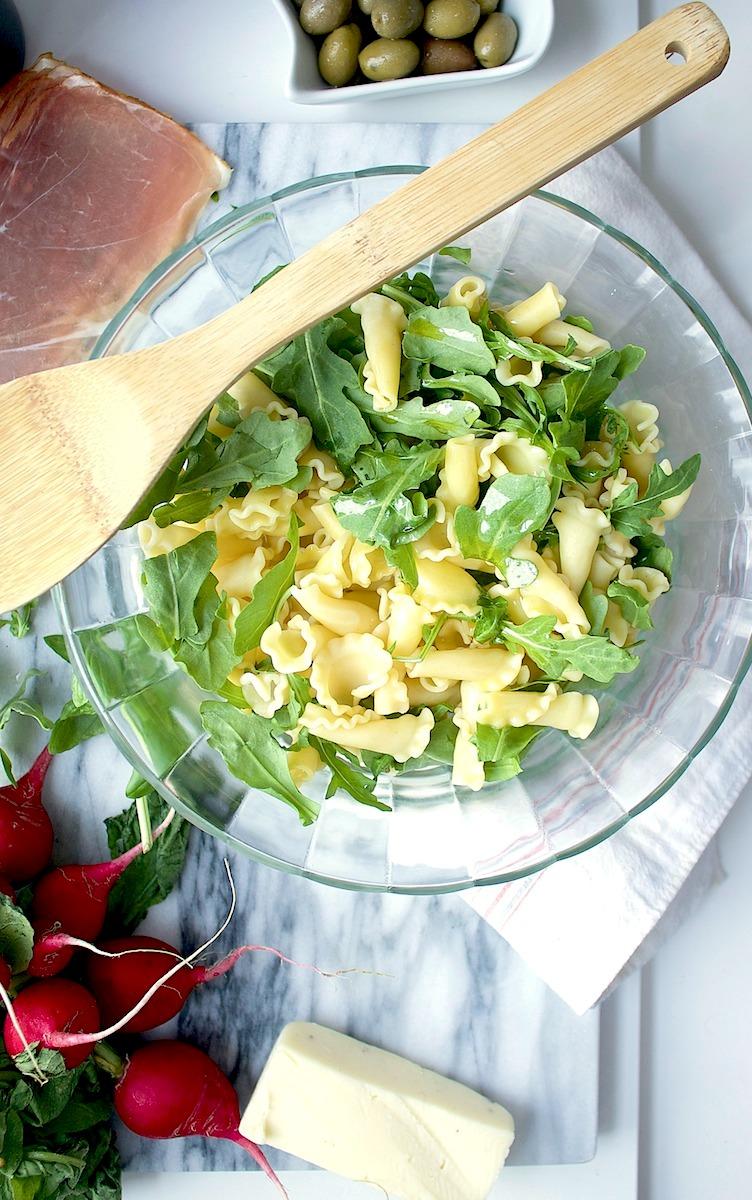 Summertime-Italian-Pasta-Salad-Runway-Chef.jpg