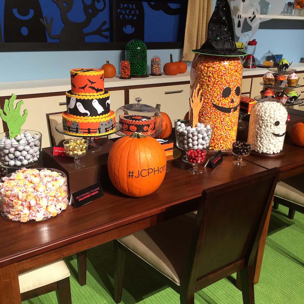 Halloween-Candy-Bar.jpg
