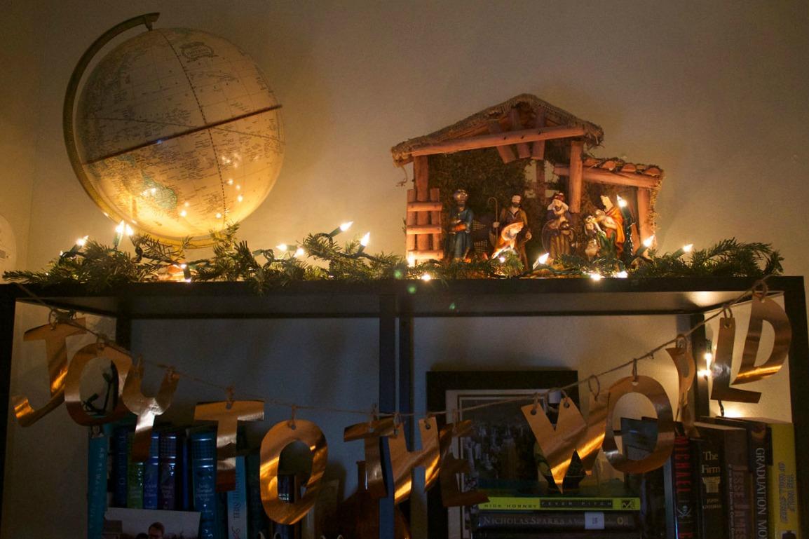 Christmas-Manger.jpg