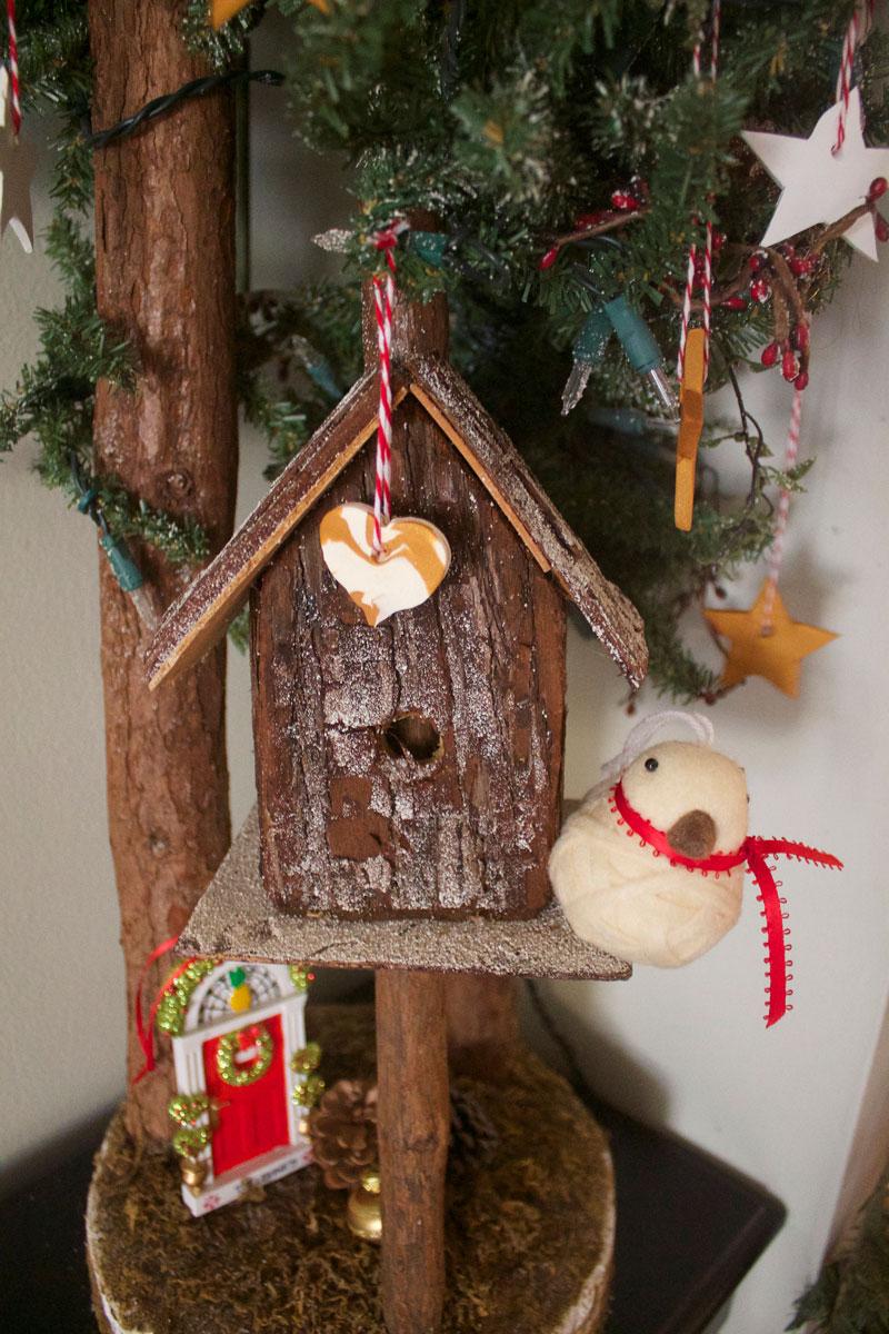 woodsy-Christmas-decor.jpg