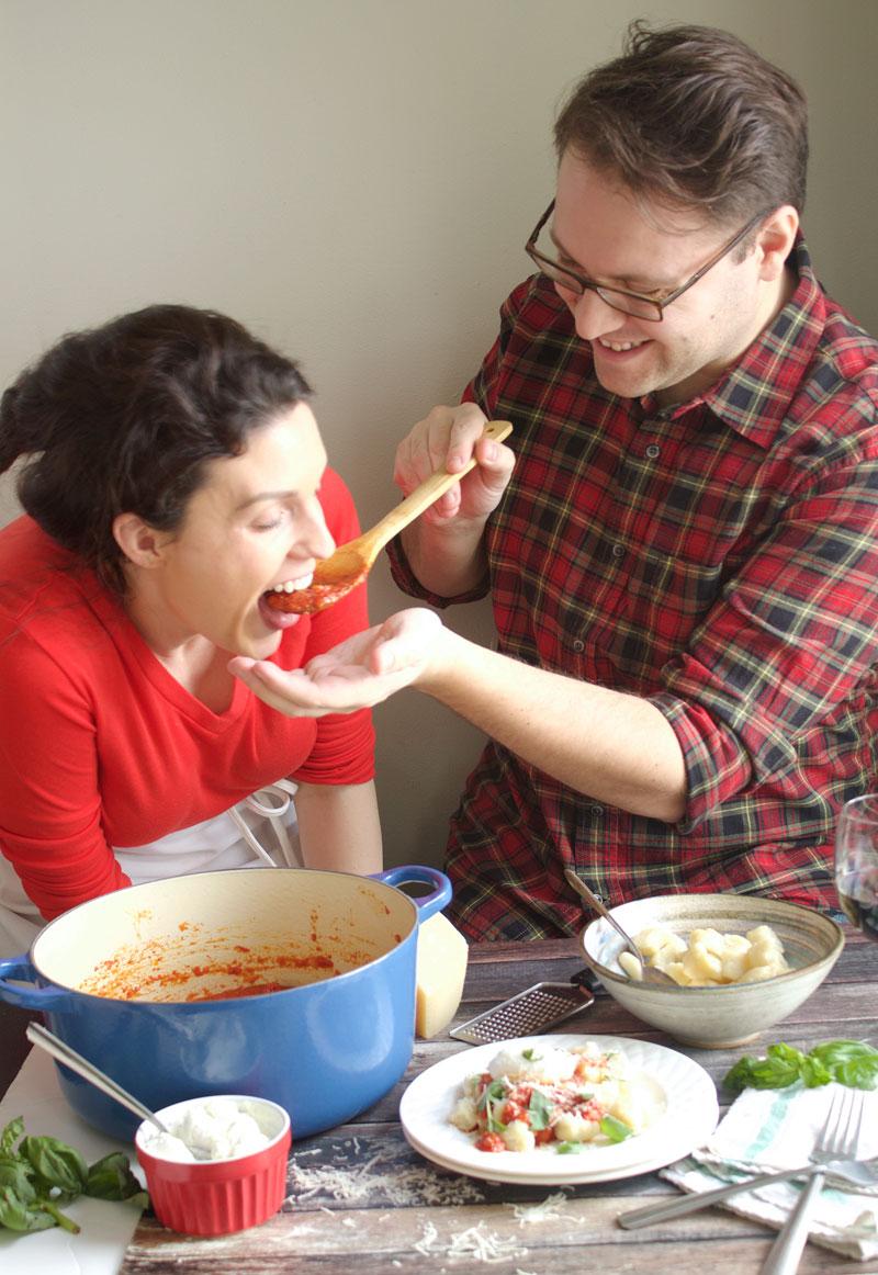 5-ingredient-tomato-sauce.jpg