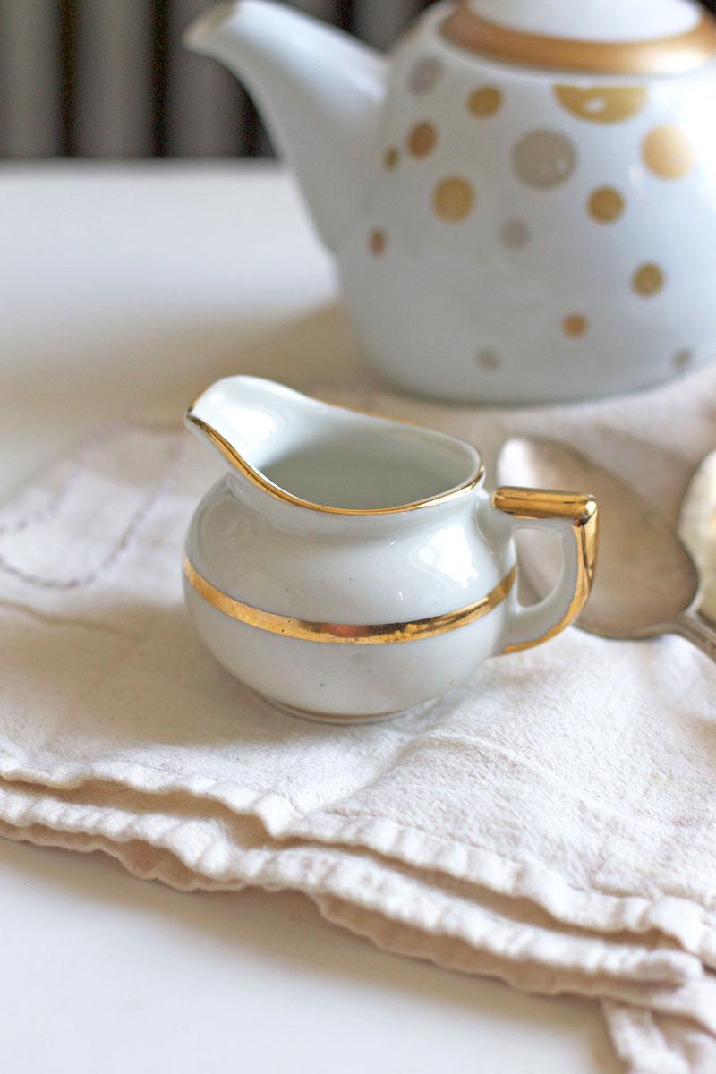 gold-and-white-tea-set.jpg