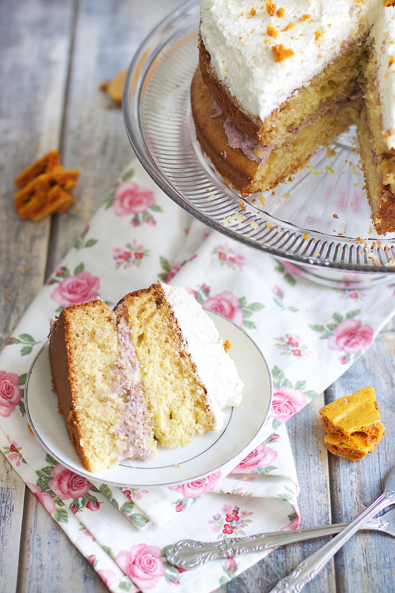 honey-cake-with-mascarpone-frosting-and-blackberry-filling.jpg