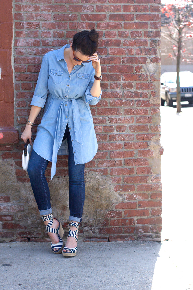 Banana-Republic-denim-dress-and-Vigoss-jeans.jpg