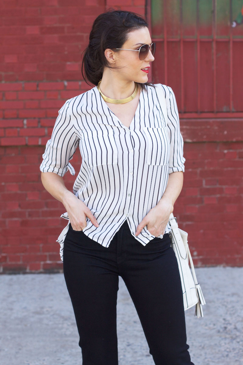 striped-top-white-bucket-bag-gold-collar-necklace.jpg