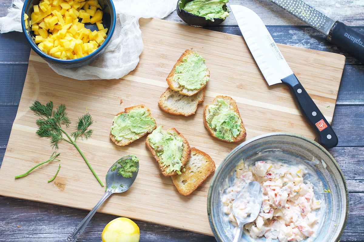 mini-avocado-toast-bites.jpg