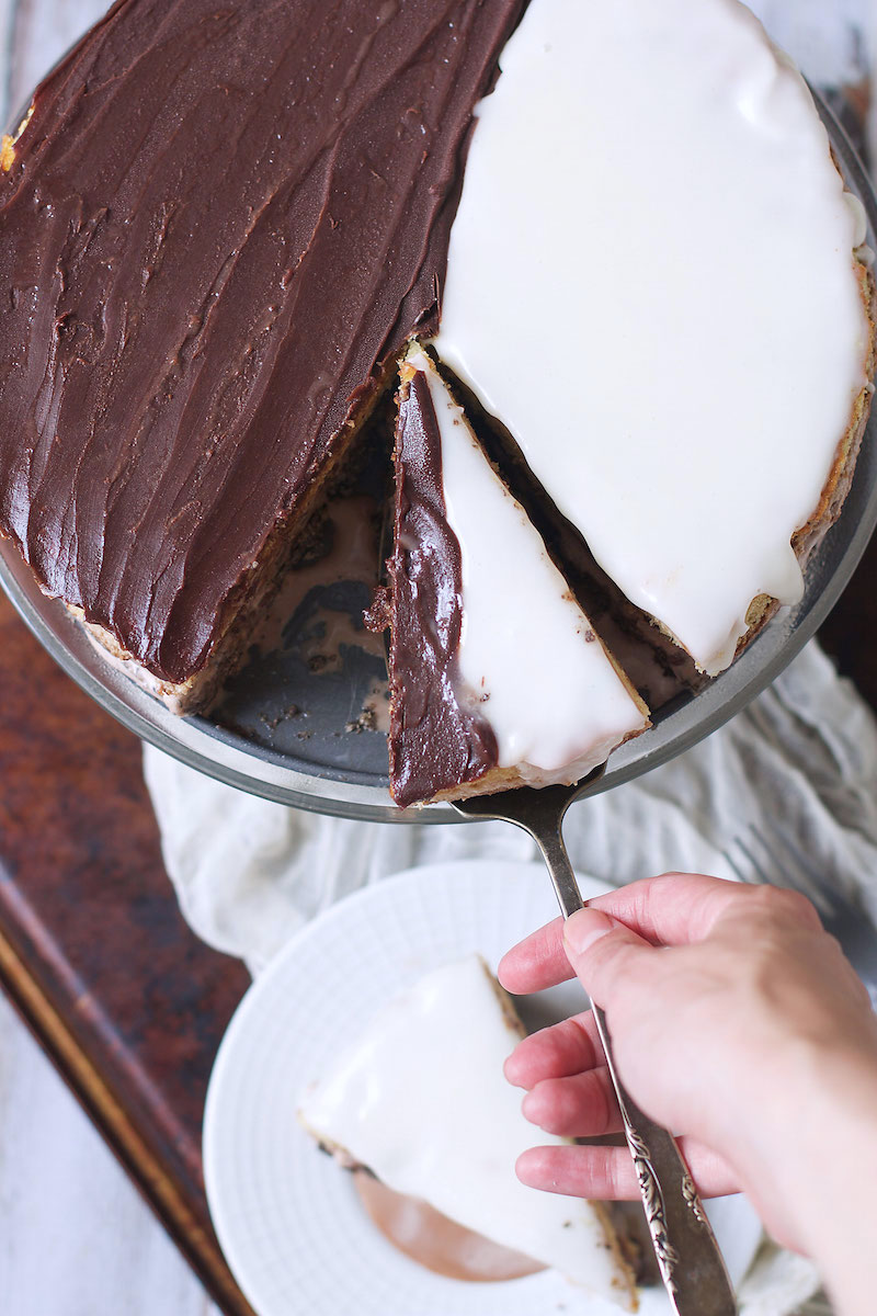 Black-and-White-Cookie-Cake.jpg
