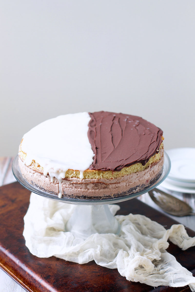 black-and-white-cookie-ice-cream-cake-3.jpg
