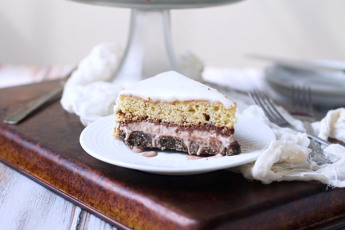 black-and-white-ice-cream-cake.jpg