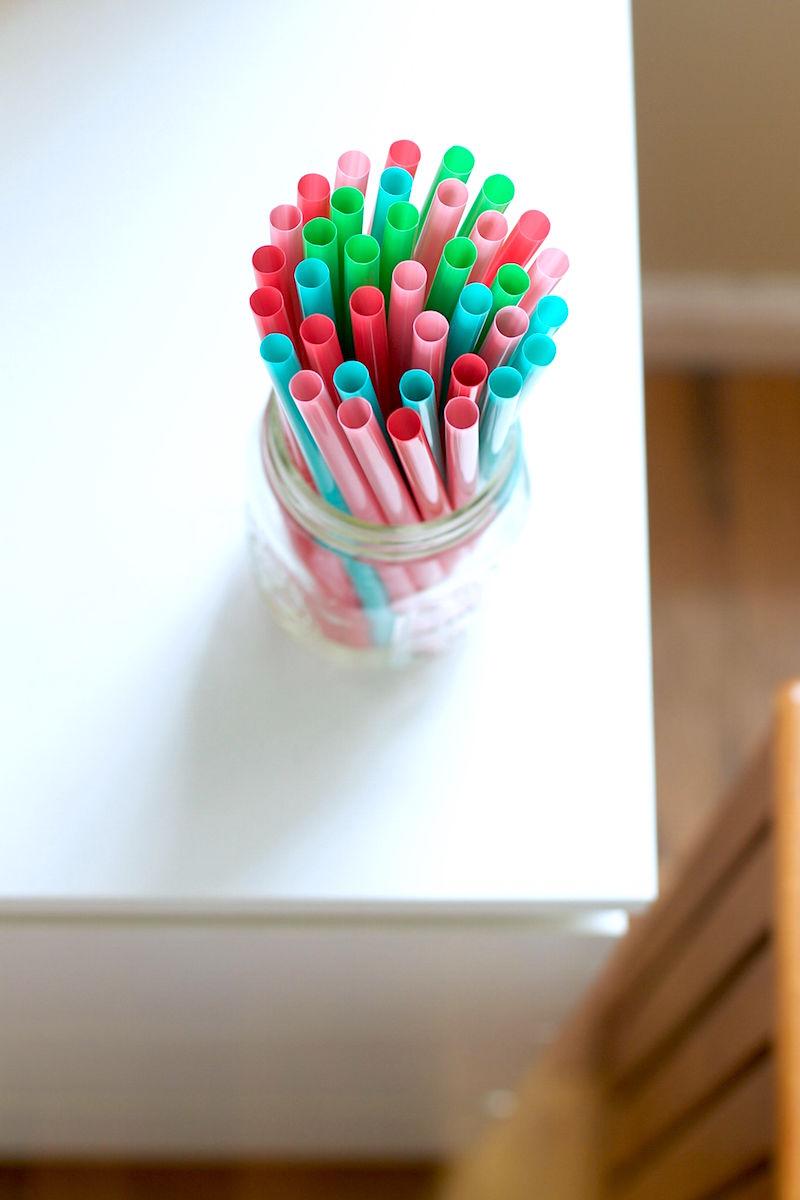 colored-straws.jpg