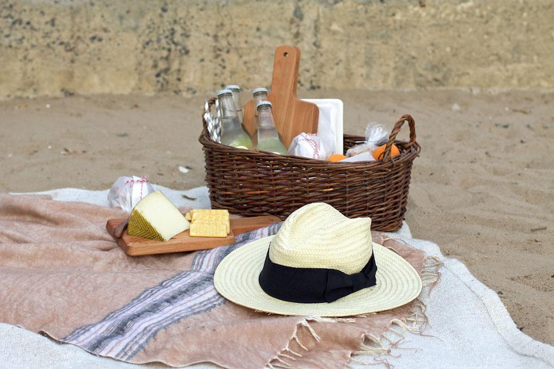 beach-picnic-essentials.jpg