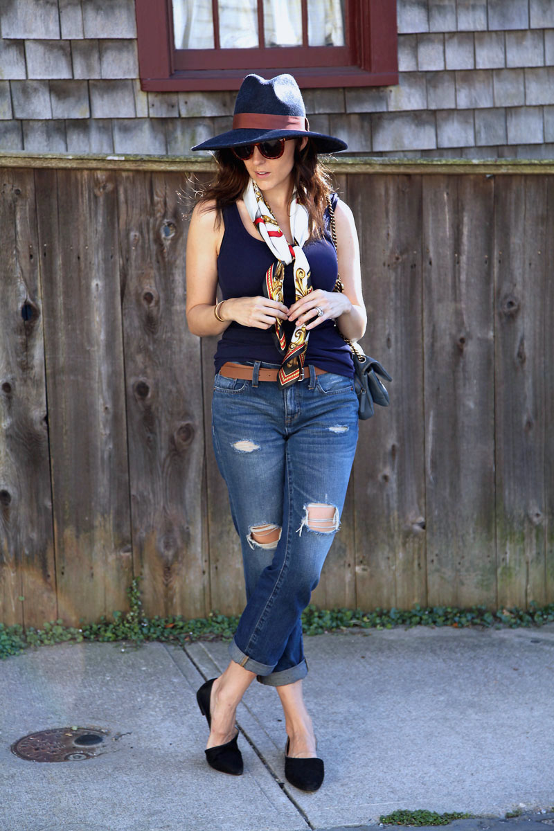 Madwell-boyfriend-jeans-styled-for-fall.jpg