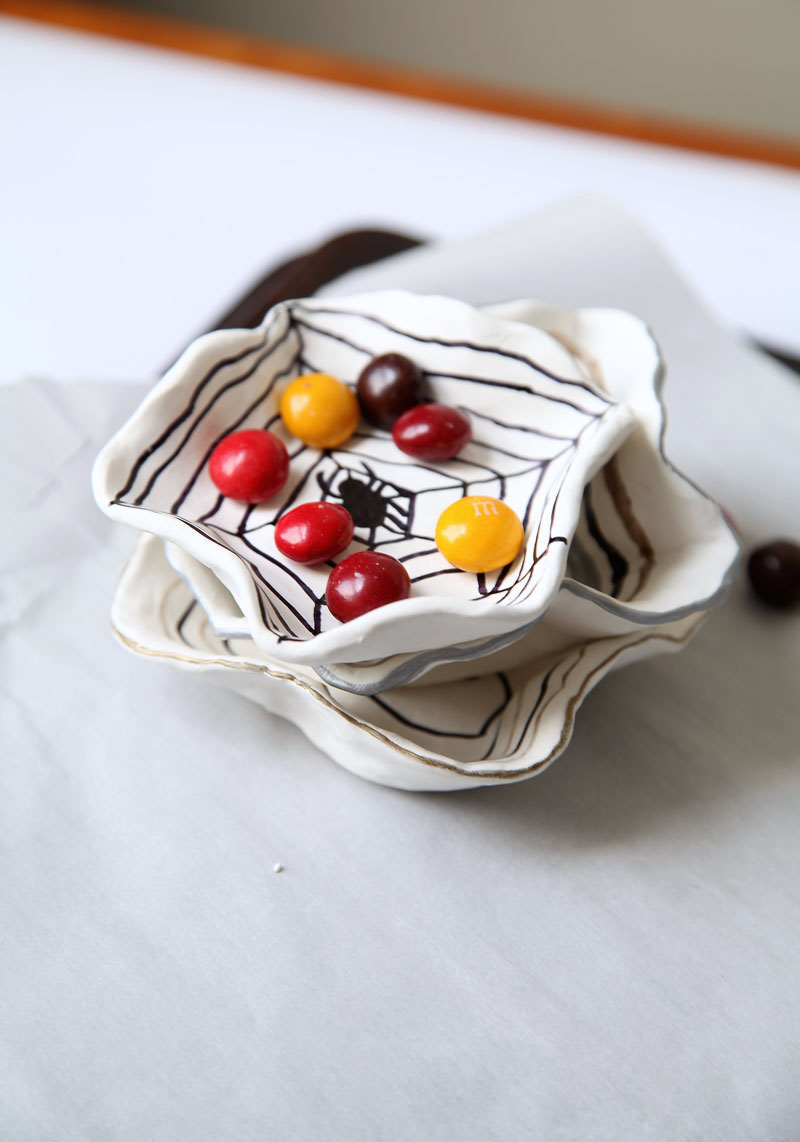 diy-halloween-candy-dishes-1.jpg