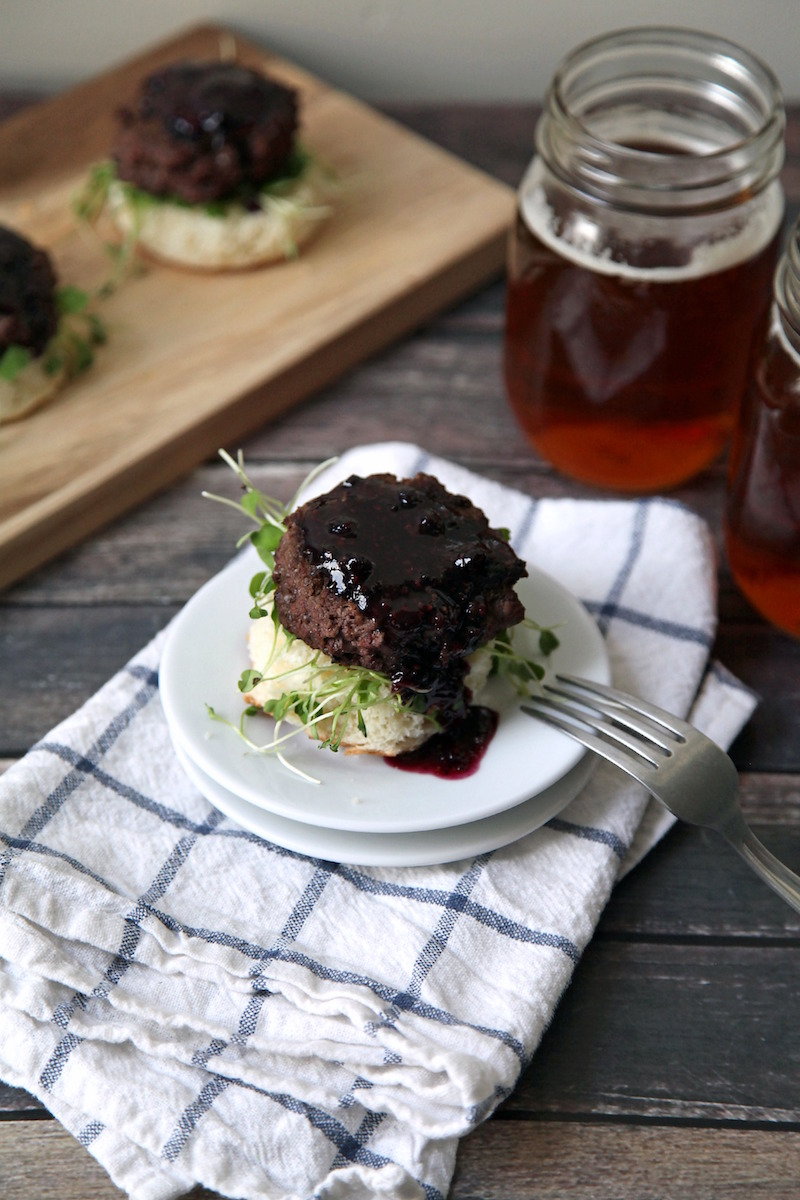venison-slider-with-blueberry-sauce.jpg