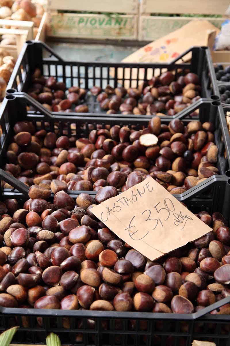 fresh-chestnuts-in-Italy.jpg