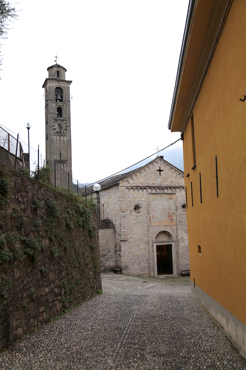 lake-como-church.jpg