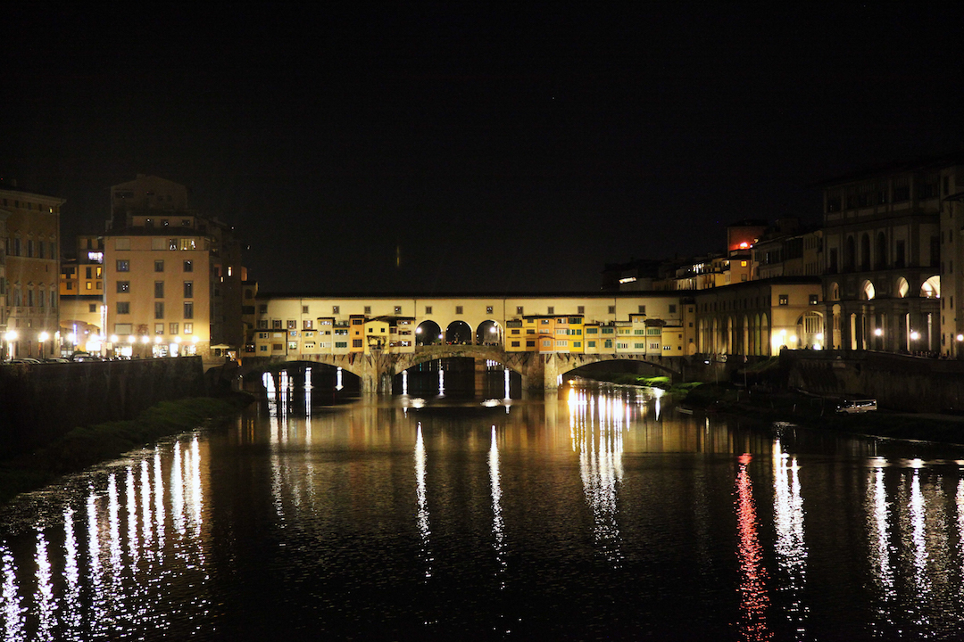 Ponte-Viccio-at-night.jpg