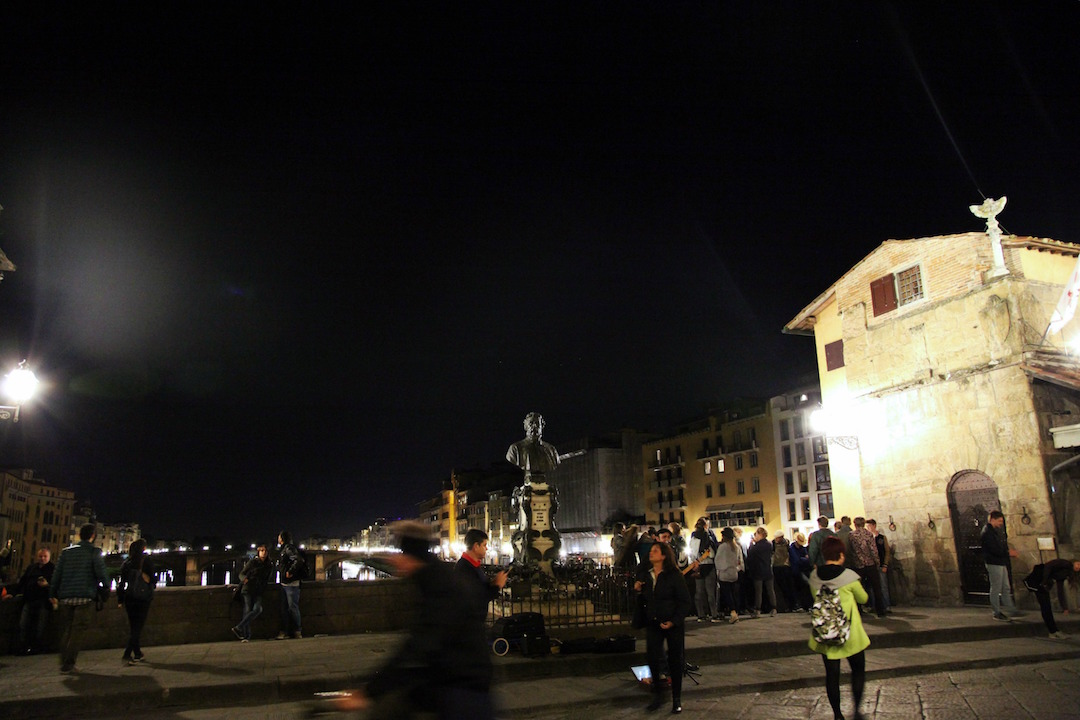 on-the-Ponte-Viccio-at-night.jpg