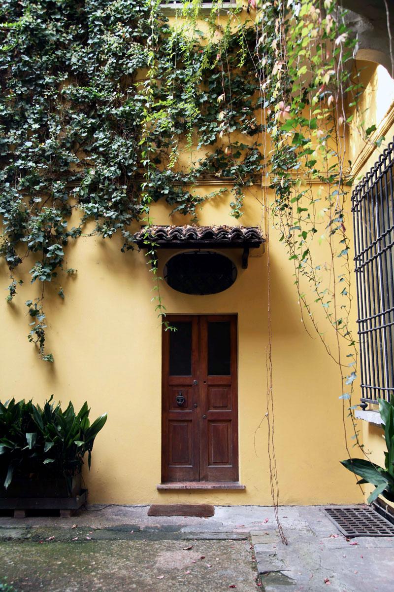 Italian-courtyard.jpg