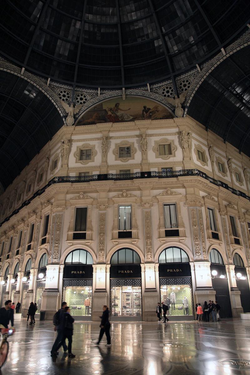 Prada-in-the-Gallerie-in-Milan.jpg