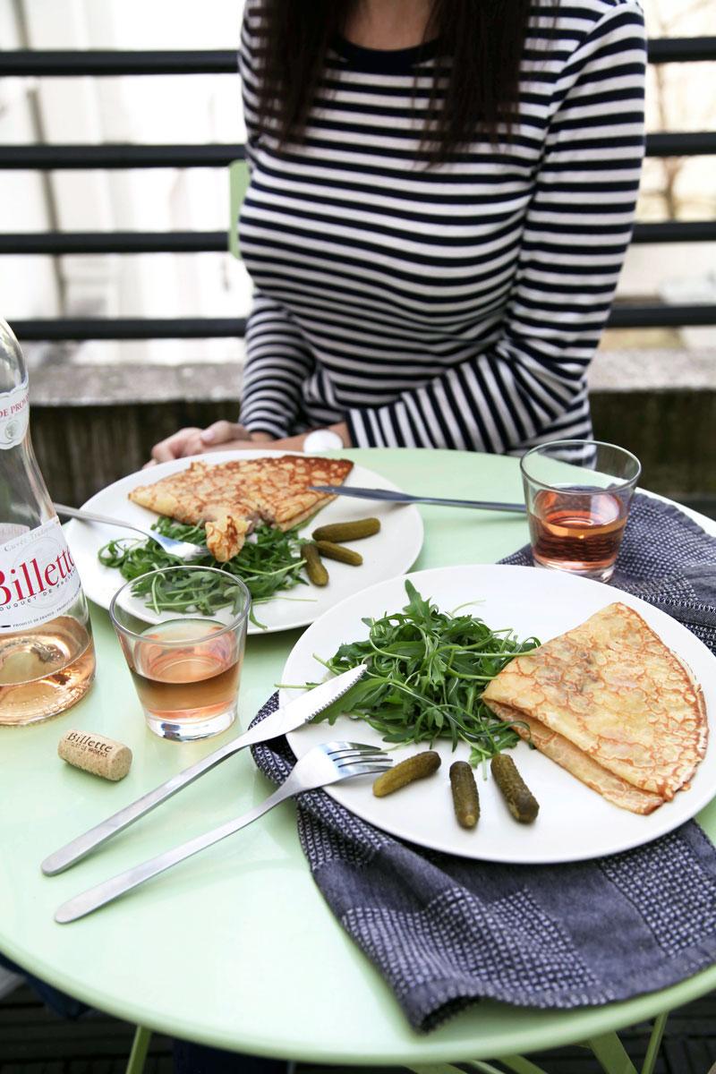 crepes-salad-and-rose-in-Paris.jpg