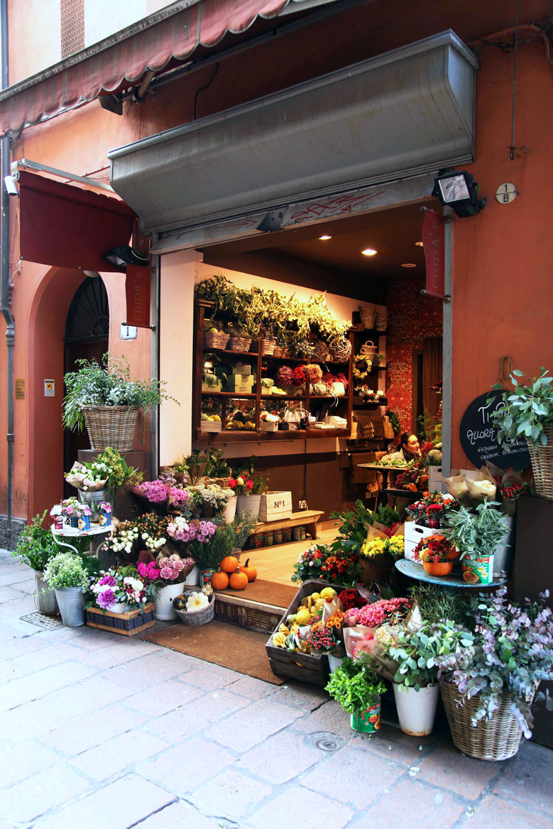 flower-stand-in-Italy.jpg