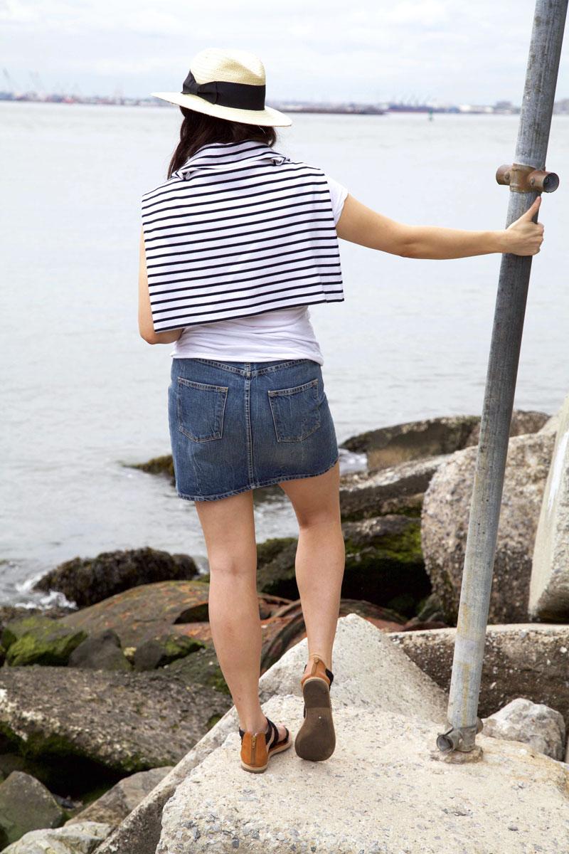 denim-skirt-and-white-tee-8.jpg