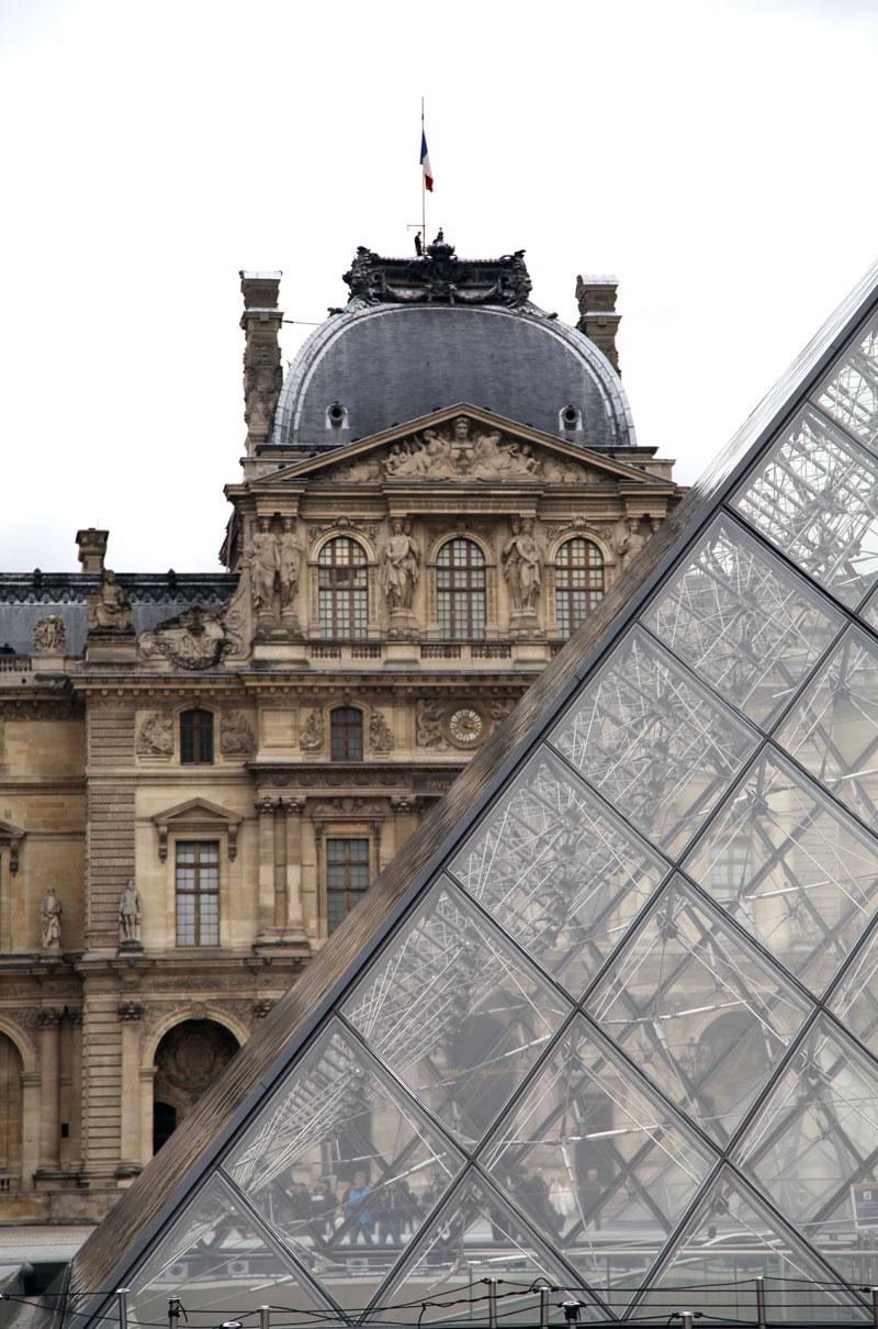 Louvre-angles.jpg