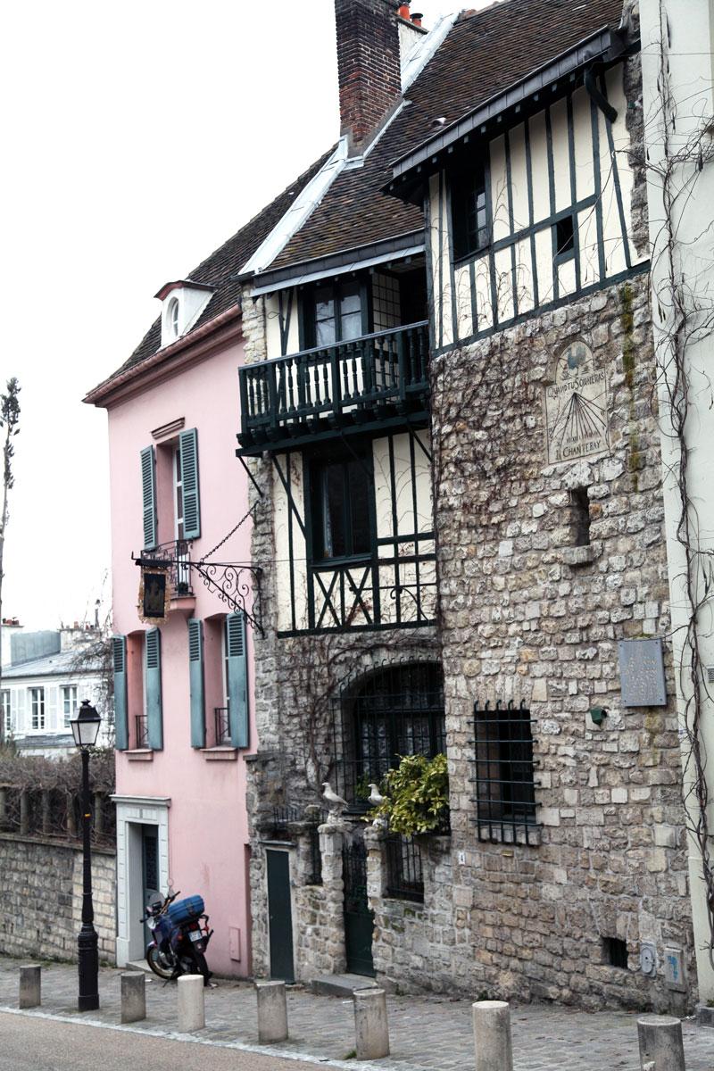 Paris-streets-pink-building.jpg