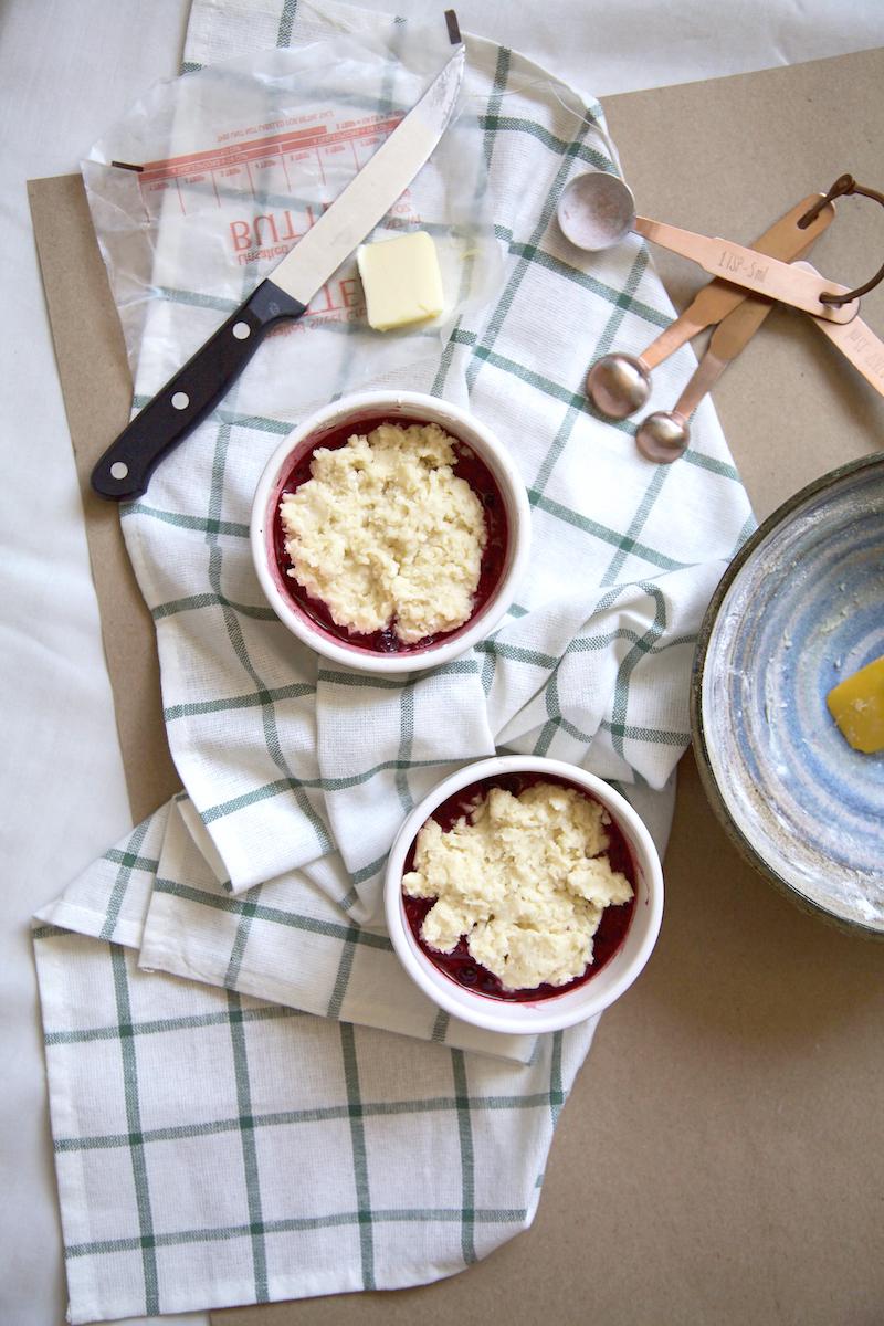 berry-cobbler-in-a-mug.jpg