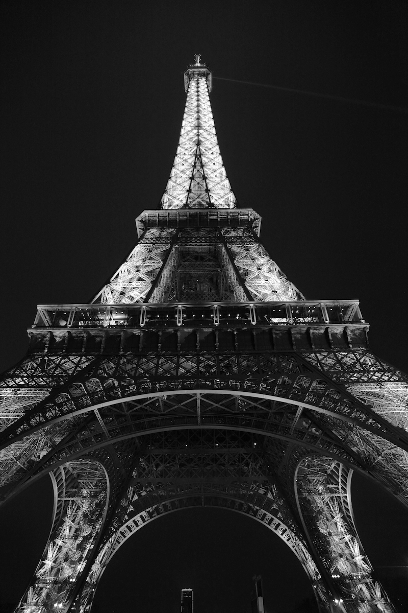 black-and-white-eiffel-tower-at-night.jpg