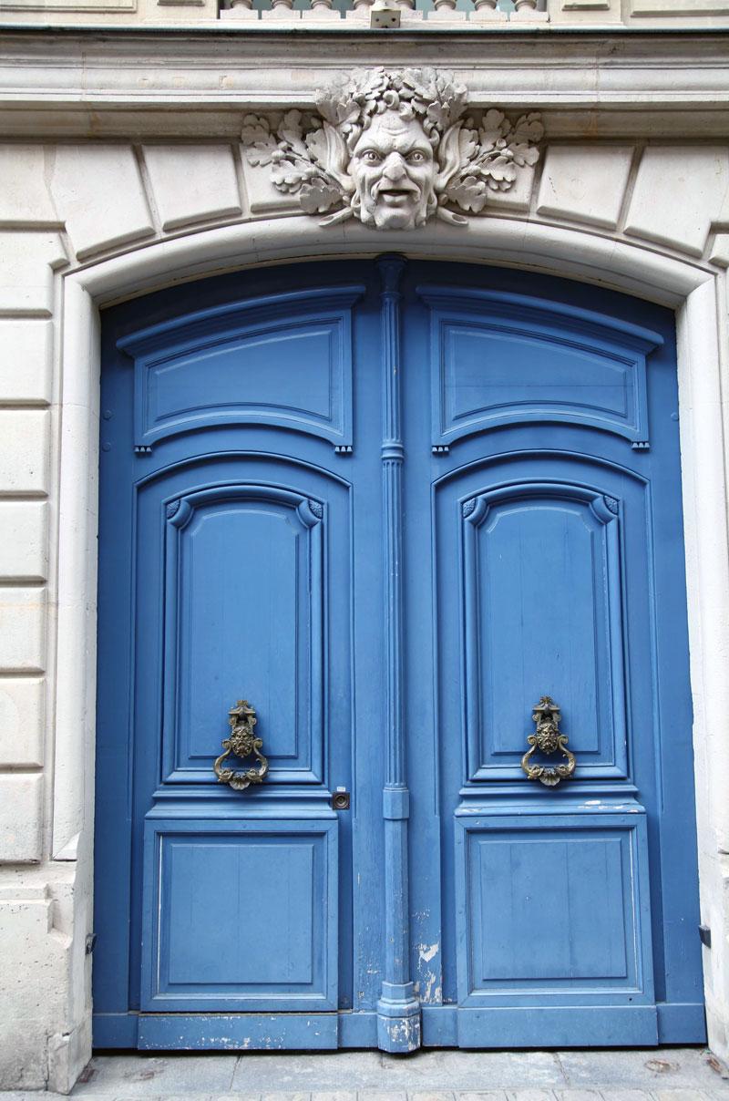 blue-doors-in-Paris.jpg