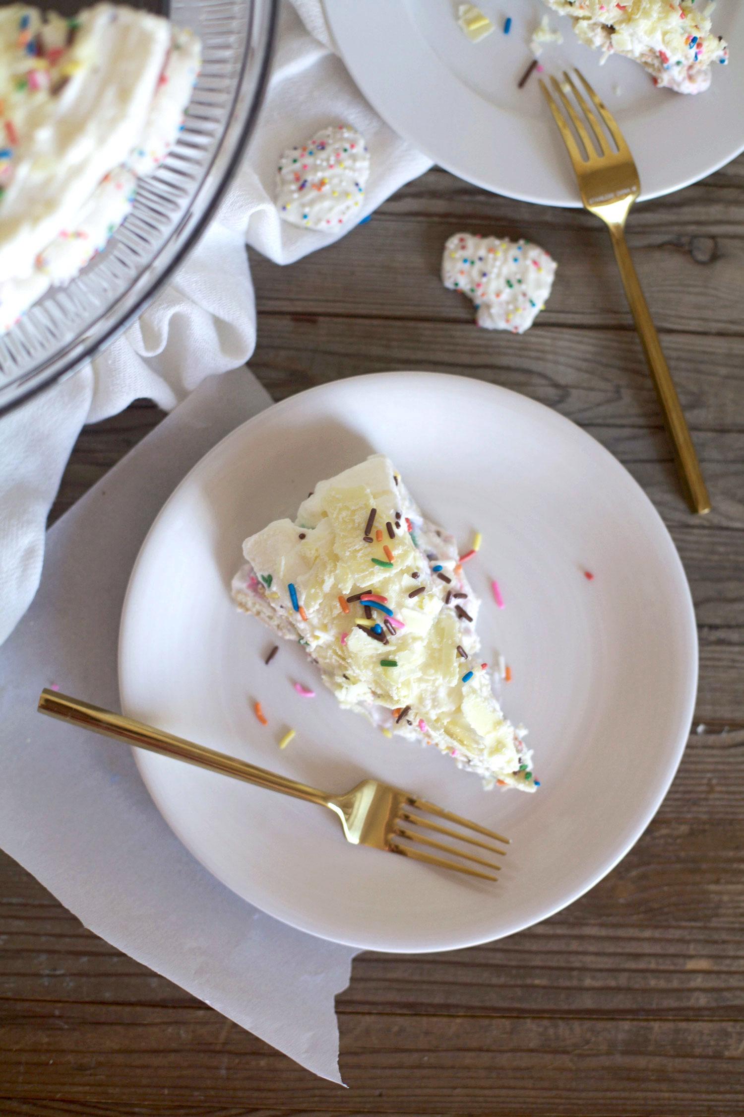 Frosted-Animal-Cracker-Ice-Box-Cake6.jpg