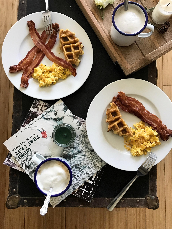 cabin-breakfast.jpg