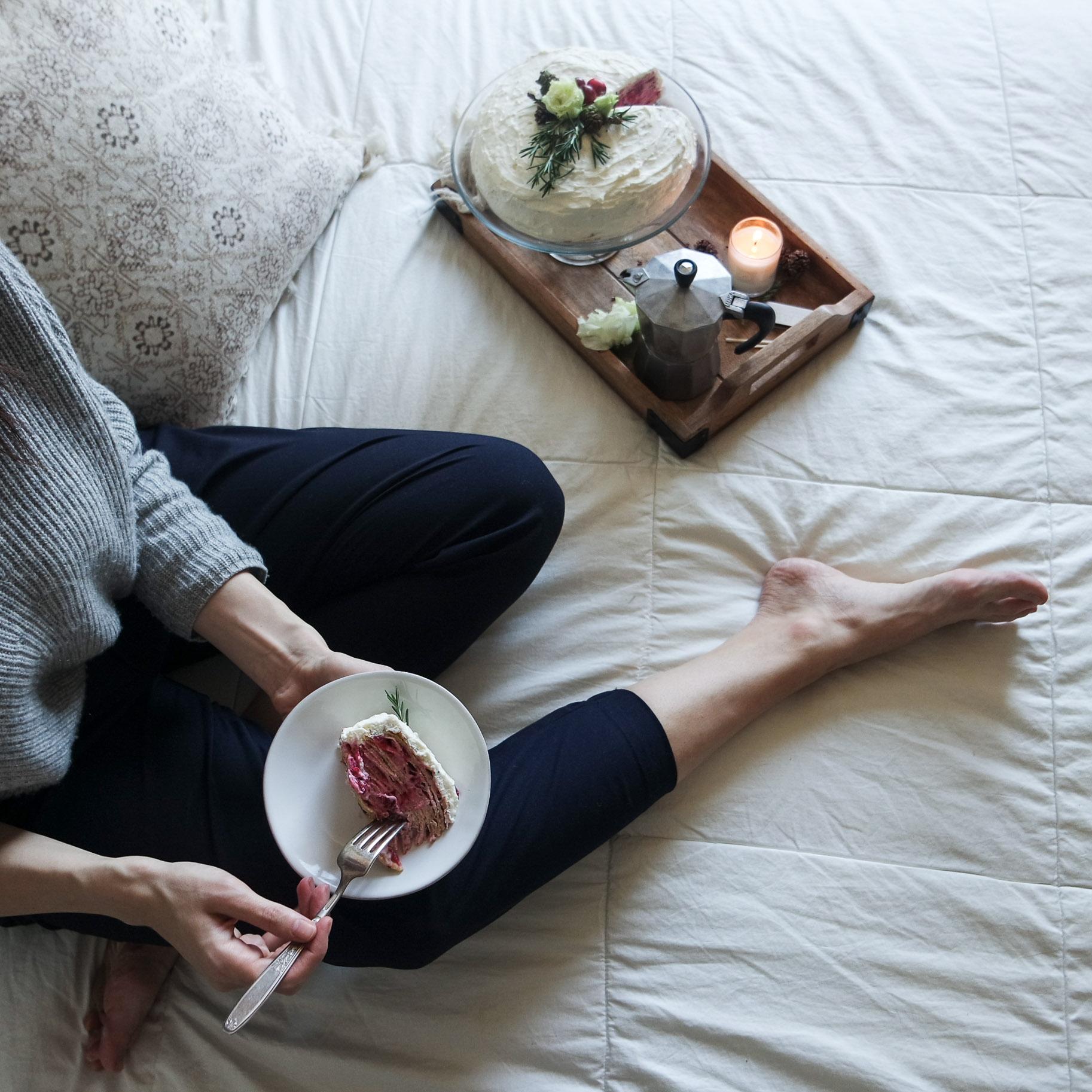 cozy-winter-bedroom-with-airweave10.jpg