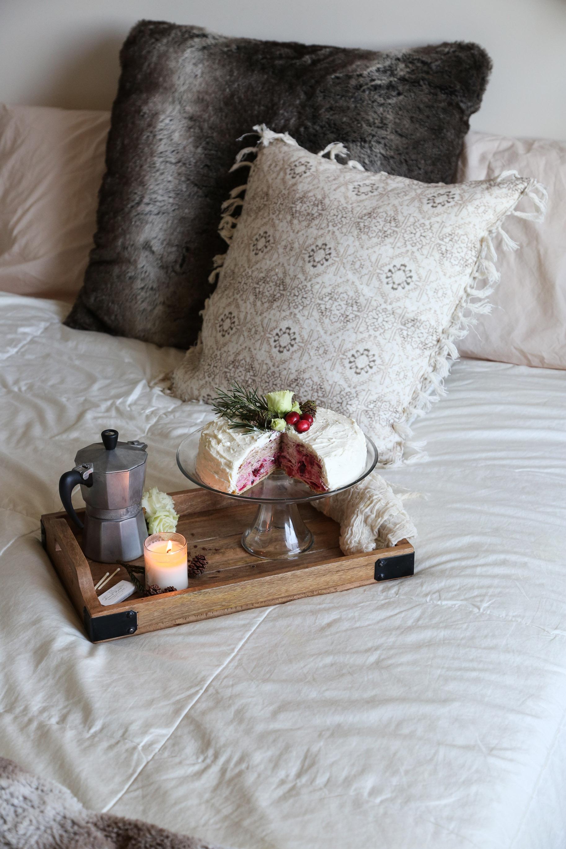 cozy-winter-bedroom-with-airweave14.jpg