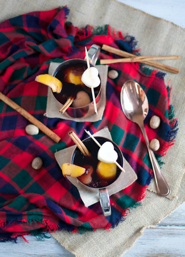EASY CROCKPOT MULLED WINE - serves 6