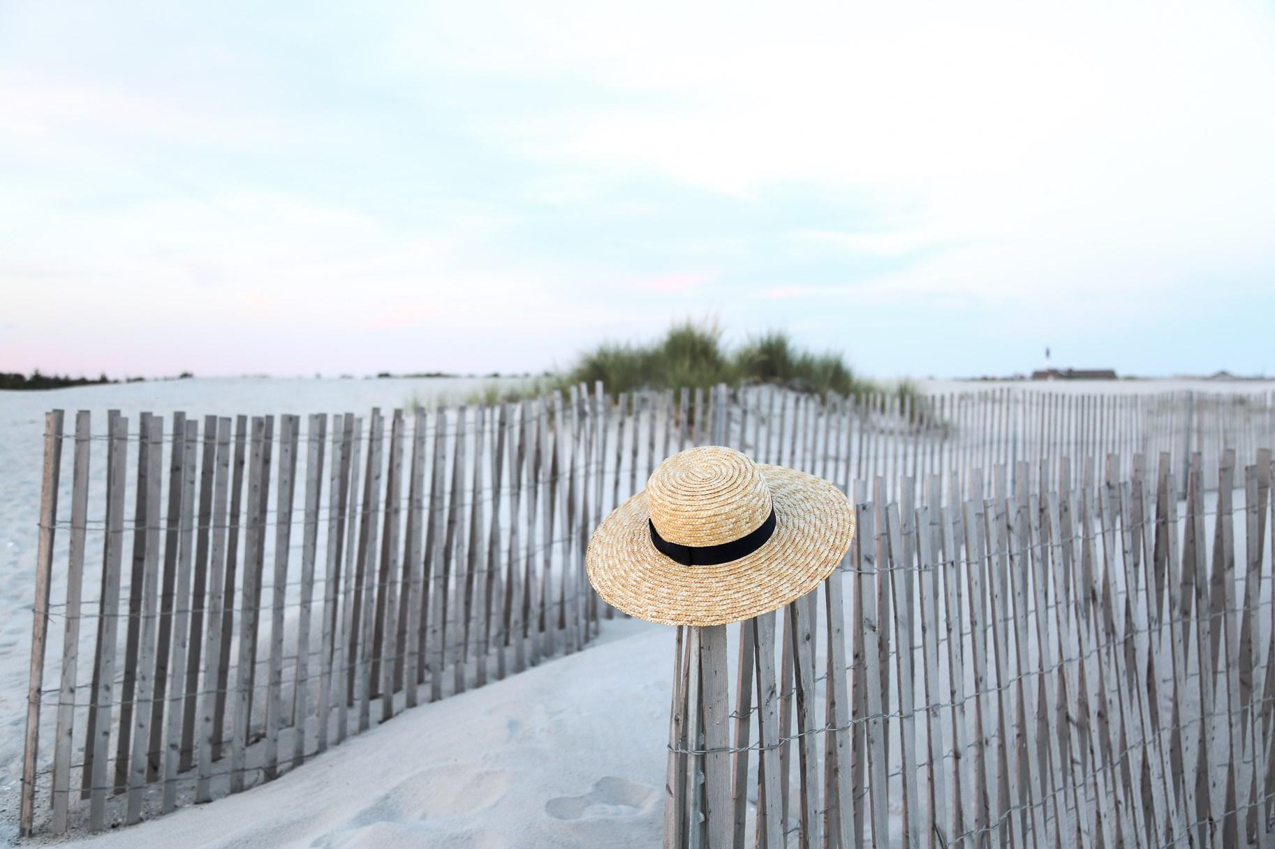 straw-beach-hat-.jpg