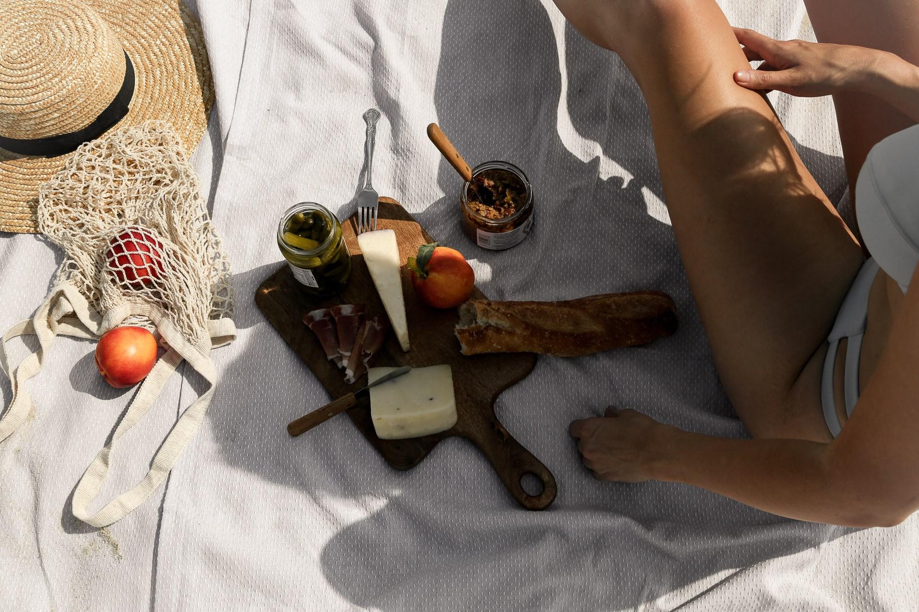 beach-picnic.jpg