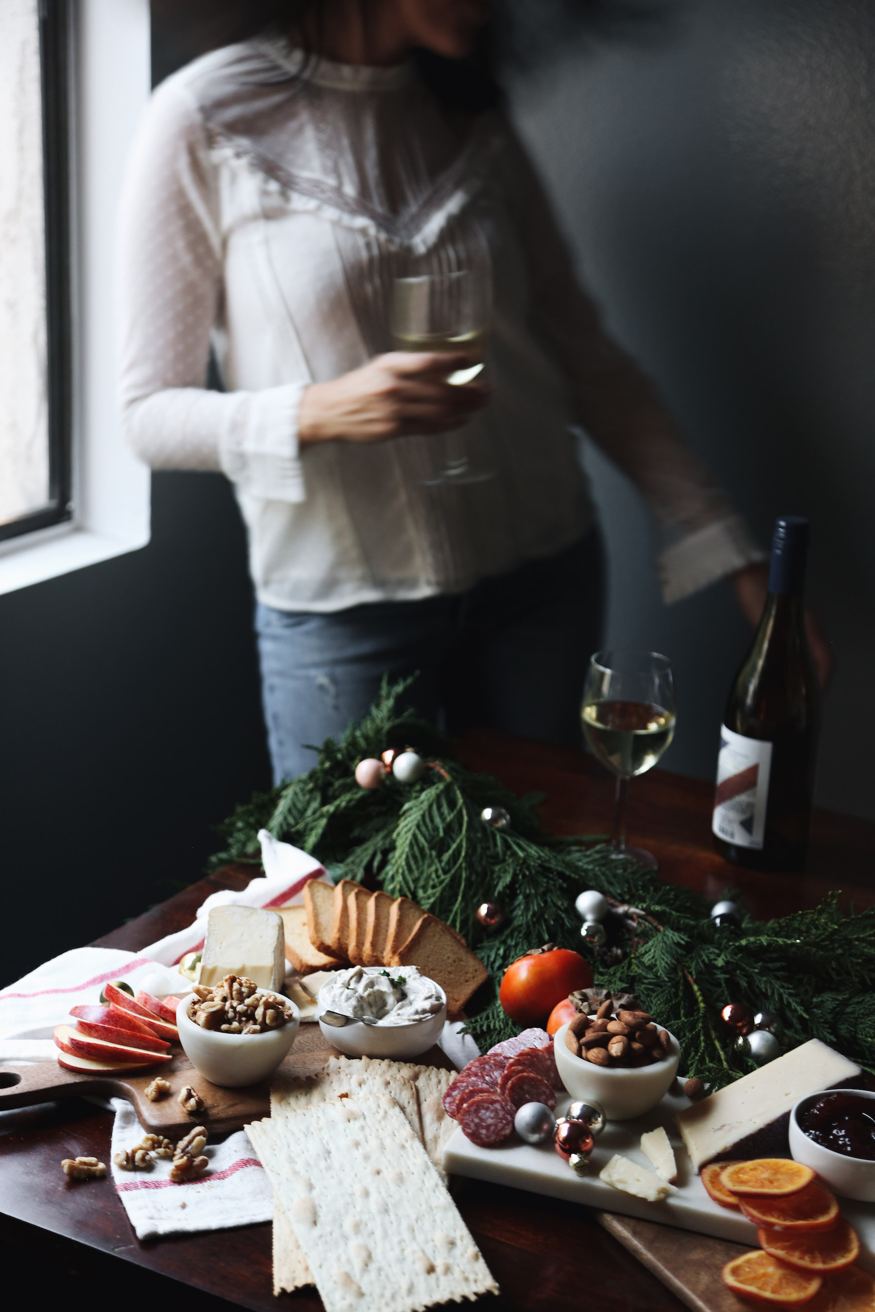 how to create a holiday cheeseboard for under 35 dollars16.jpg