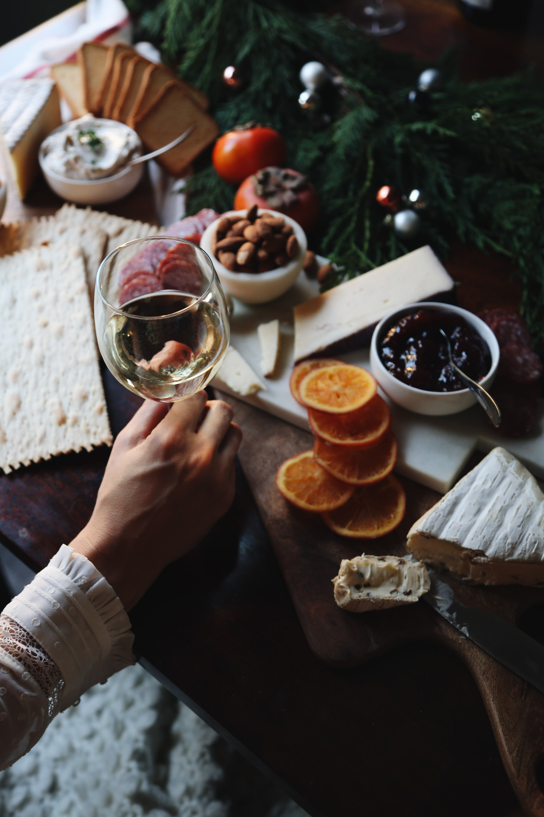 how to create a holiday cheeseboard for under 35 dollars8.jpg