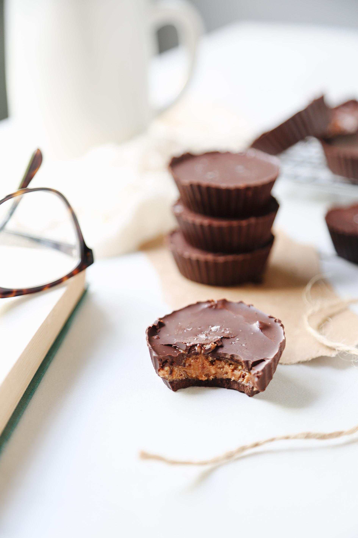 4-ingredient vegan refined-sugar-free peanut butter cup recipe17.jpg