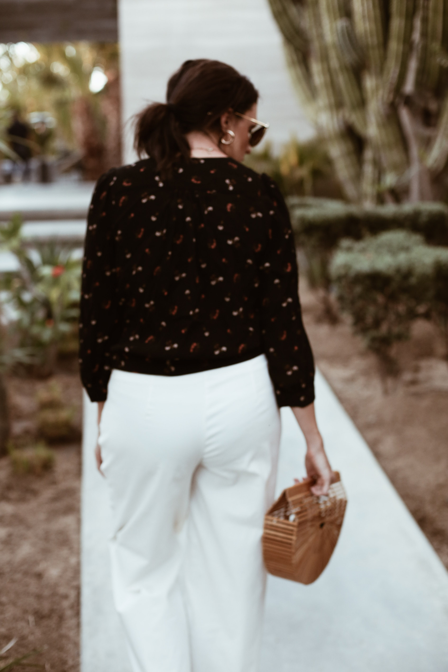 wrap top + white pants-2.jpg
